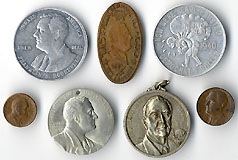 LOT: Franklin Roosevelt medallic items