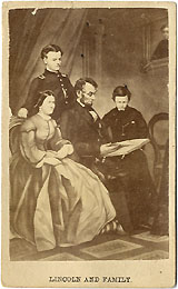 Abraham Lincoln: Lincoln and Family carte de visite